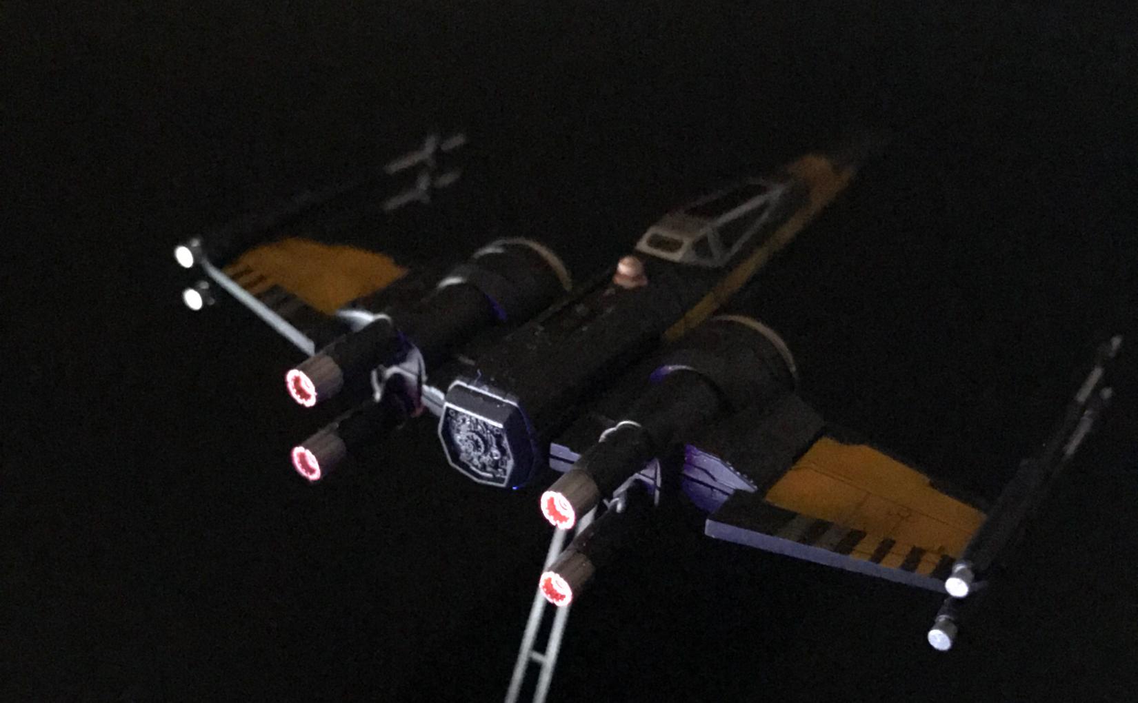 バンダイ ビークルモデル 003 Xウイング・ファイター ポー専用機